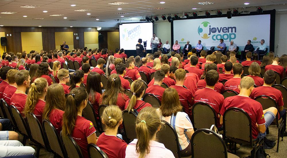 3° Encontro Estadual de Jovens Cooperativistas reúne mais de 200 jovens na Capital